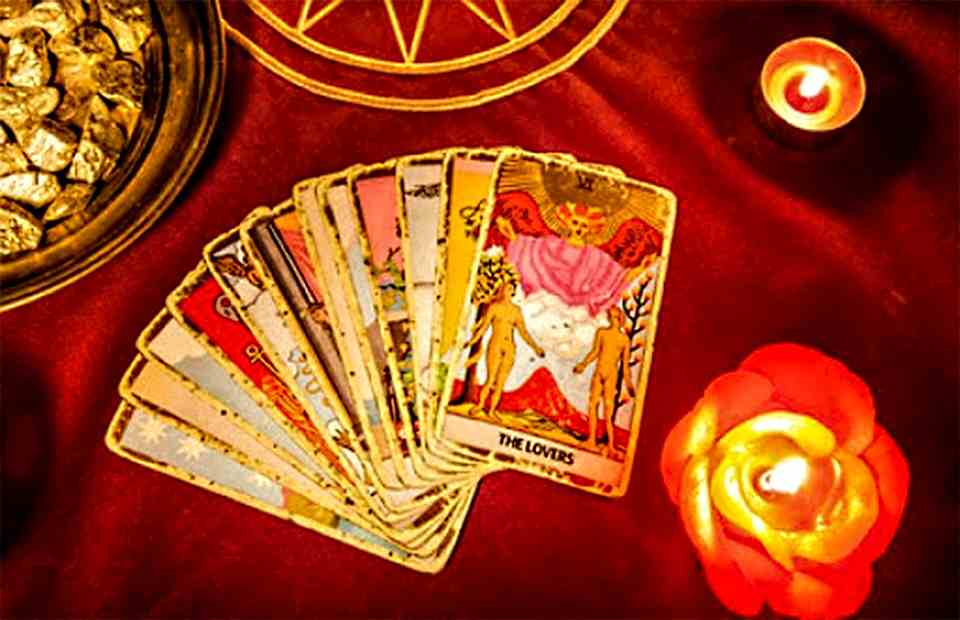 Free Interactive Love Tarot